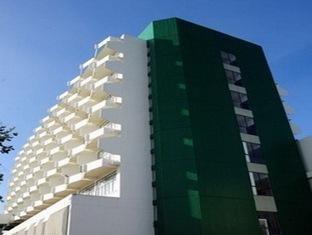 โรงแรมปทุมรัตน์ (Pathumrat Hotel)