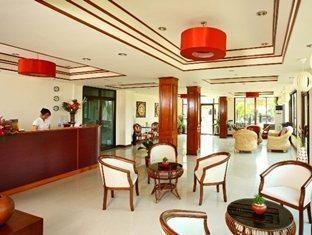 โรงแรม เดอะ ปาล์ม การ์เด้น (The Palm Garden Hotel)