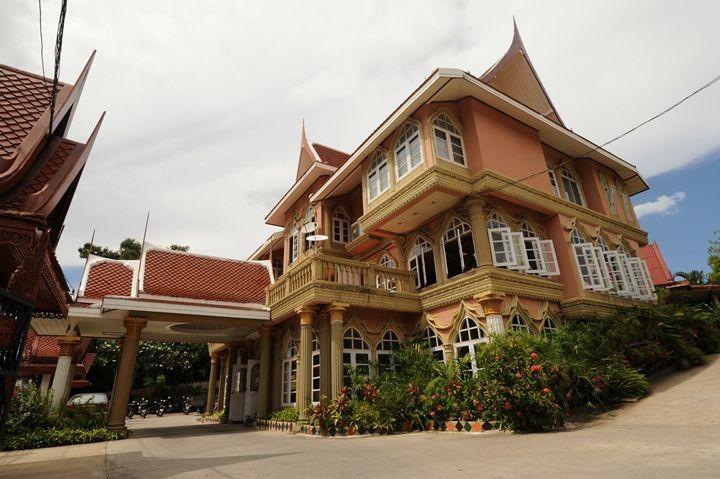 เฉวง รีสอร์ท (Chaweng Resort)