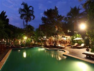 เรือนอริยารีสอร์ท (Ruen Ariya Resort)