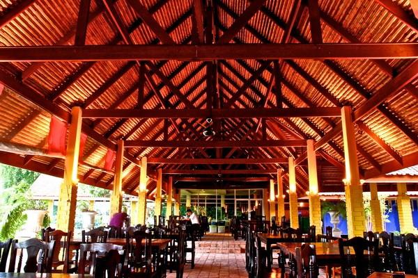 ร้านอาหารน้ำเคียงดิน เกาะยอ