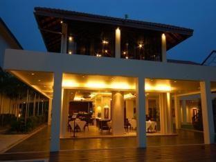 เดอะ บริษา บีช รีสอร์ท (The Briza Beach Resort)