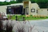 ไฮซีน รีสอร์ท (Hi - Scene Resort)