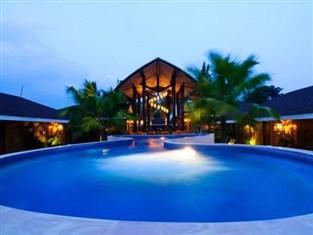 เดอะวิลเลจโคโคนัทไอส์แลนด์บีชรีสอร์ท (The Village Coconut Island Beach Resort)